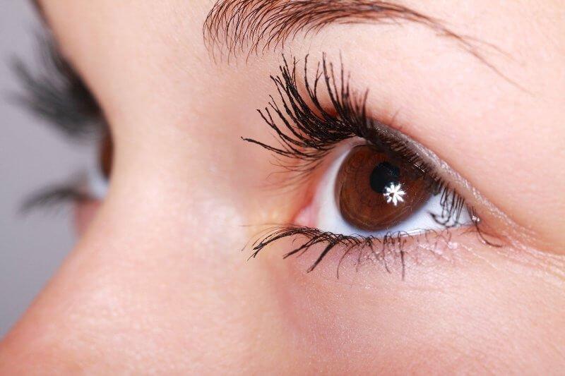 eliminar ojeras bolsas ojos